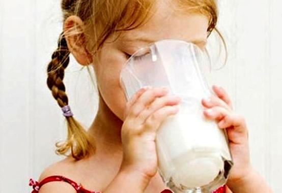 Молоко может быть вредным для детского здоровья
