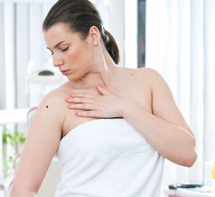 Количество родинок указывает на вероятность развития рака груди