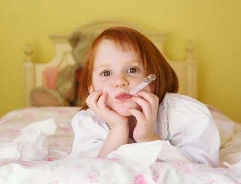 Для детей с простудой повышается риск инсульта