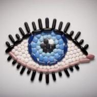 Врачи предупреждают – сон в контактных линзах может лишить зрения