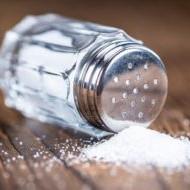 Ученые придумали, как солить еду, используя меньше соли