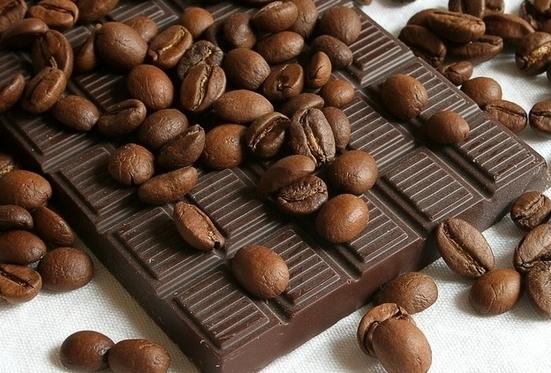 Черный шоколад и какао-порошок защищают сердце